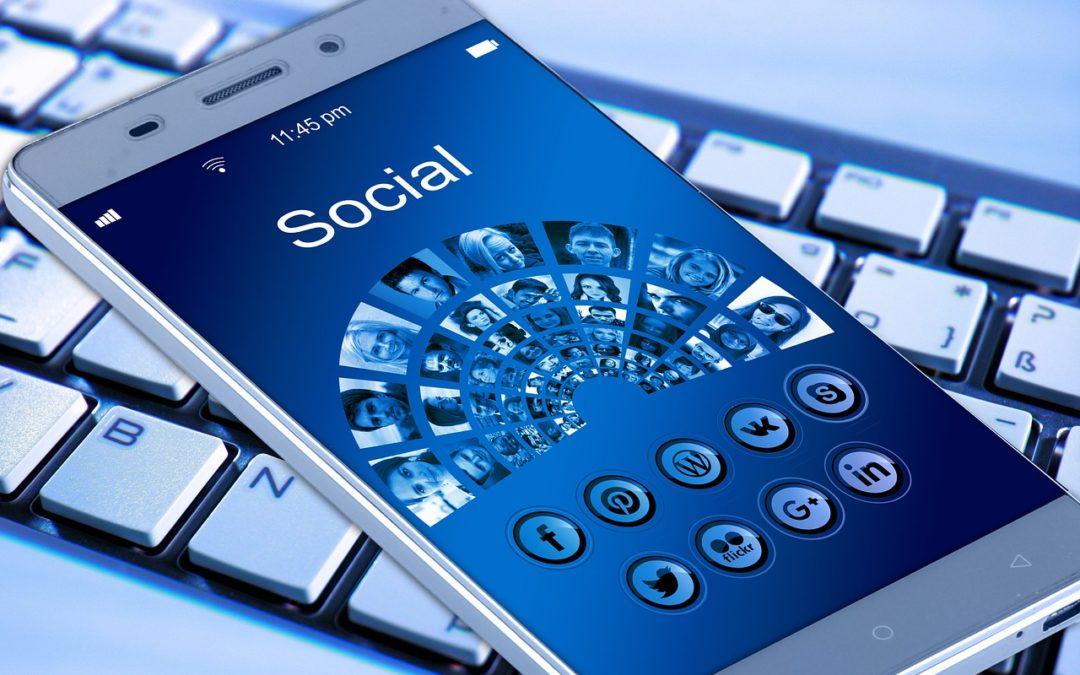Facebook o sito web per promuovere la mia azienda?